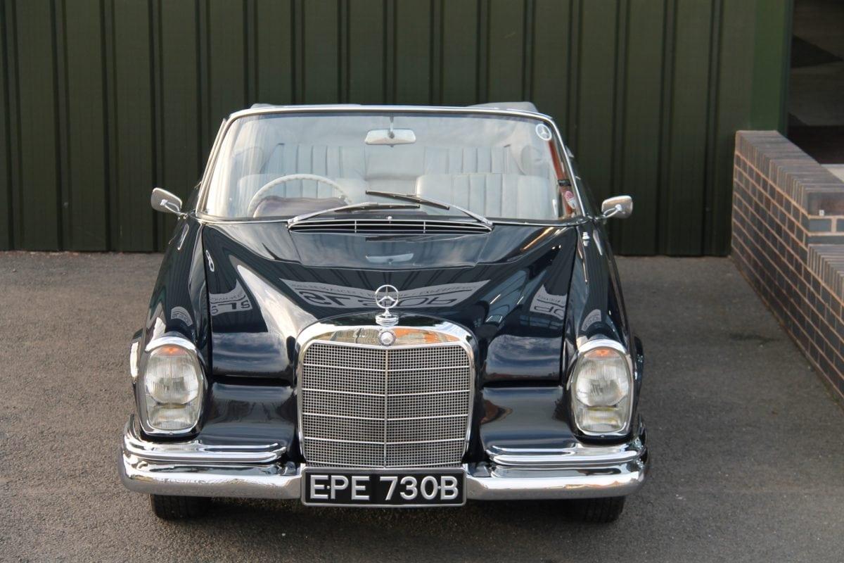 Mercedes-Benz 220SE Cabriolet W111
