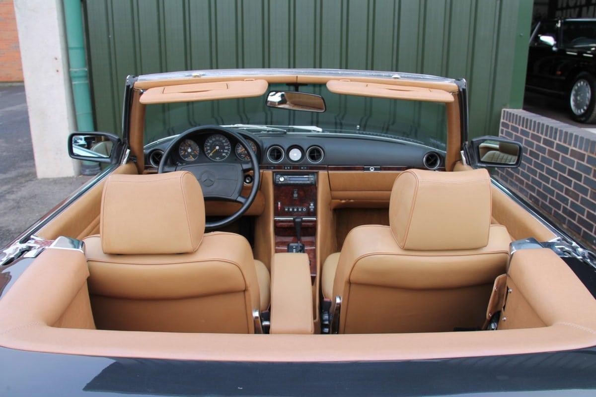 Mercedes-Benz 560SL R107
