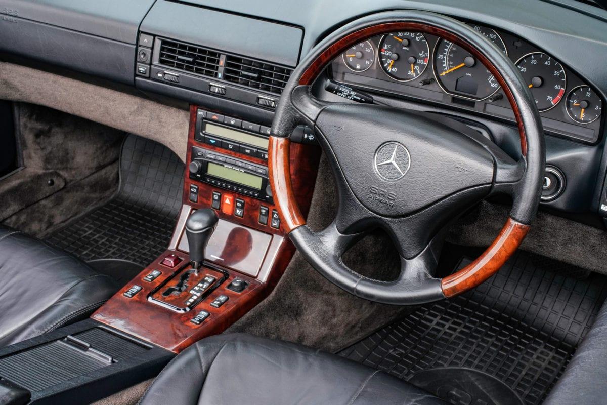 Mercedes-Benz 320SL R129