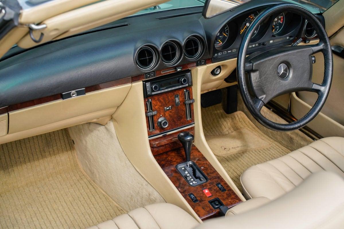 Mercedes-Benz 420SL R107