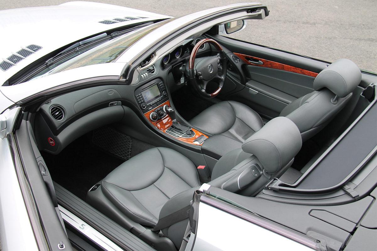 Mercedes-Benz SL350 R230