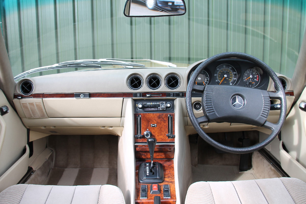 Mercedes-Benz 450SLC R107