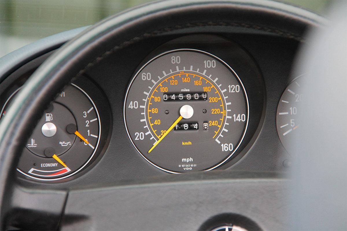 Mercedes-Benz 500SL R107