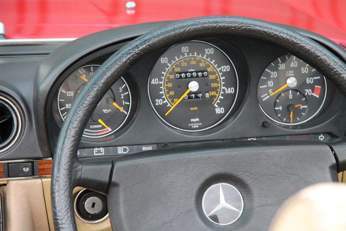 Mercedes-Benz 280SL R107