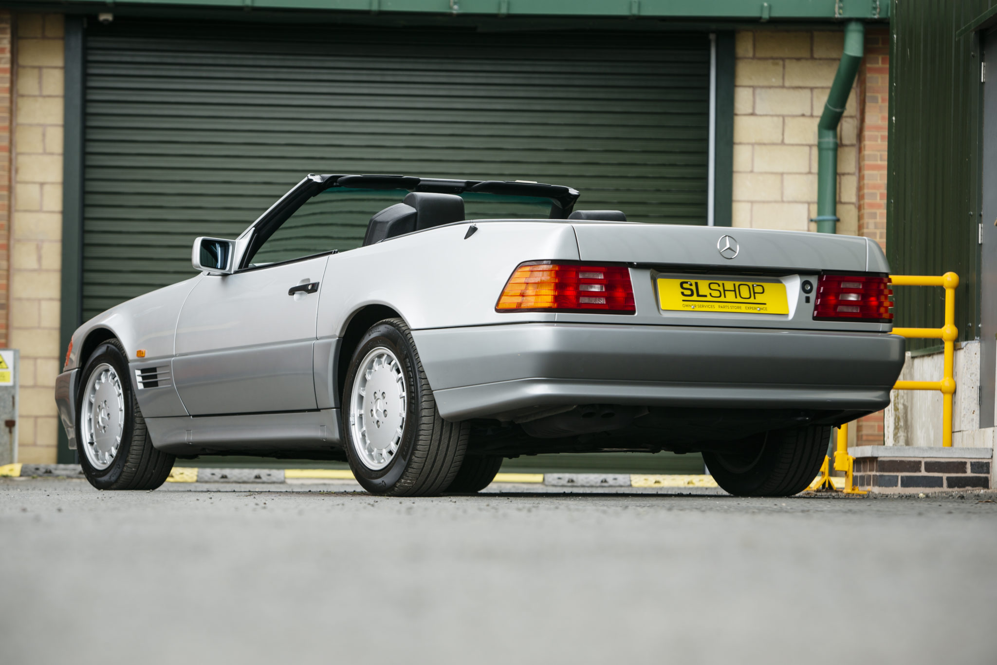 Rear three quarter of a 1993 R129 MERCEDES-BENZ 500SL – 2,800 MILES FROM NEW