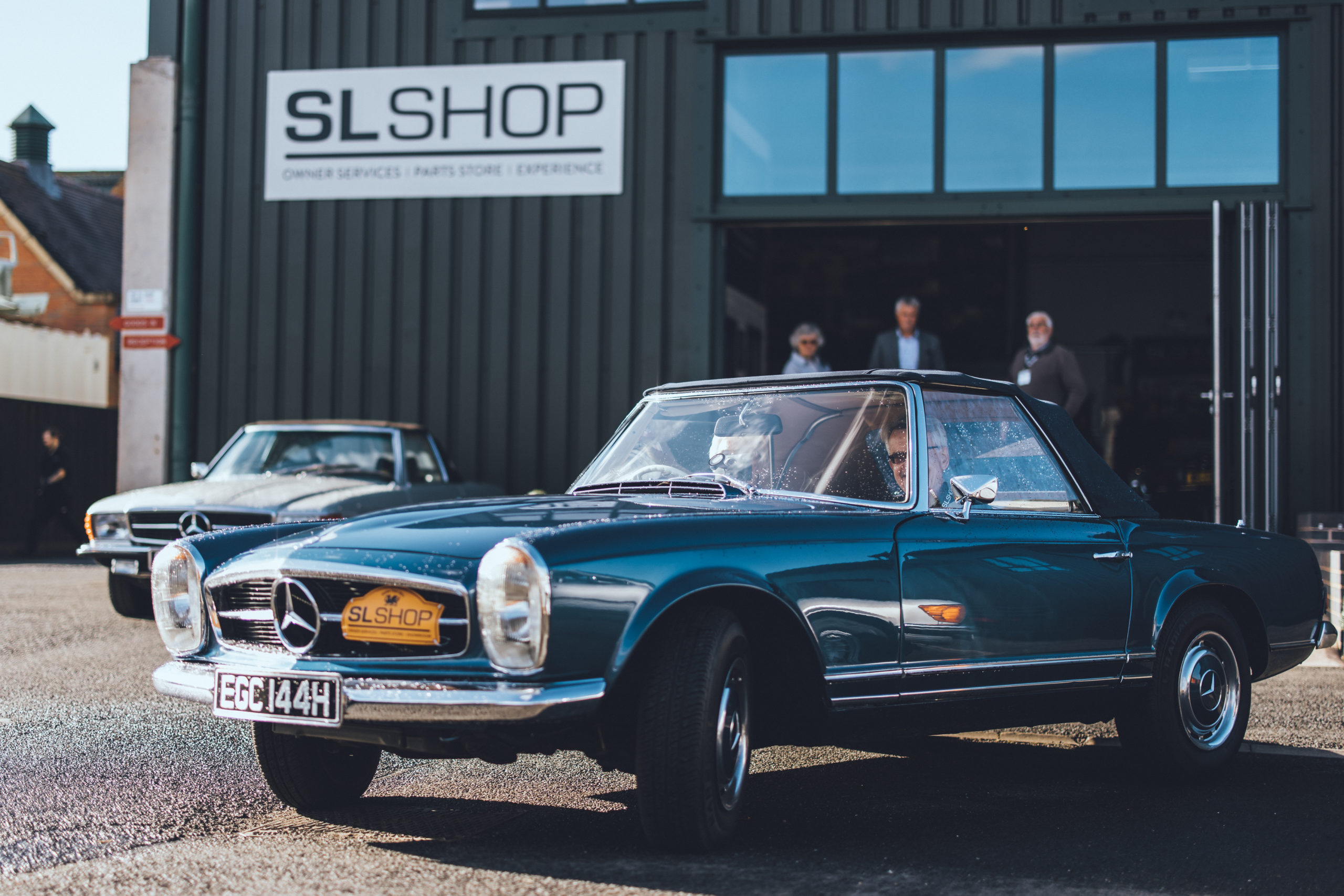 W113 Pagoda arriving at SLSHOP for Wales Tour 2021